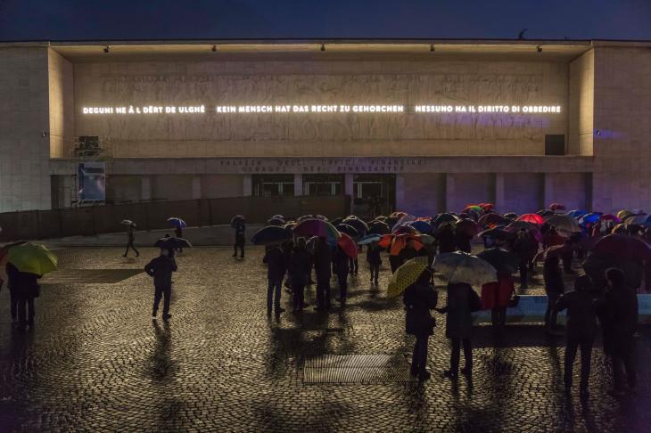 Bassorilievo monumentale in piazza del Tribunale a Bolzano, Foto LPA-Oskar Verant