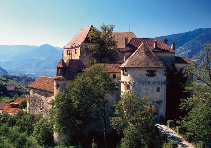 Castello di Scena Foto AT Scena