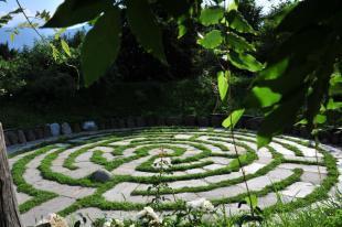 7 Gardens Kränzelhof, ground labyrinth Foto Erlebnis Kränzelhof