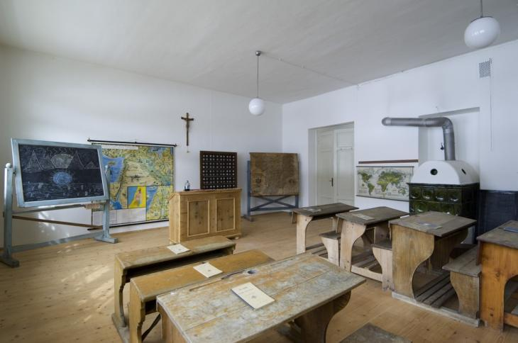 Museo della Scuola Tagusa - Foto Ludwig Thalheimer