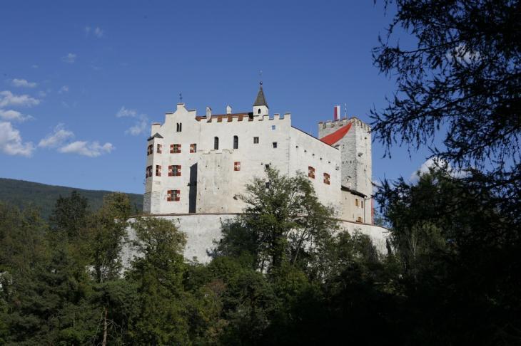 Schloss Bruneck, Aussenansicht Foto A. Gruber